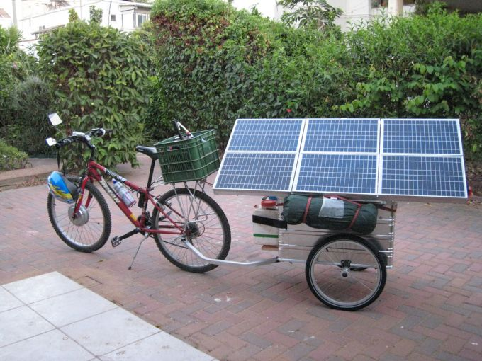 A solar powered bike trailer