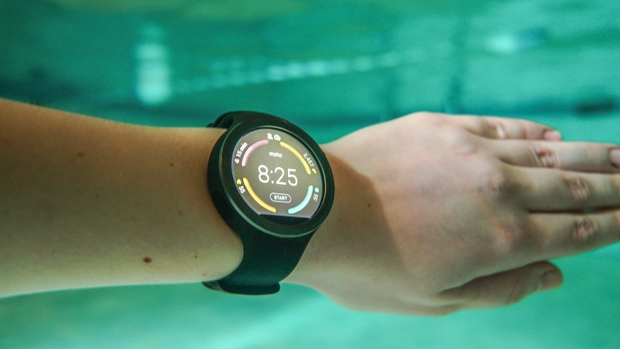 Activity tracker watch underwater