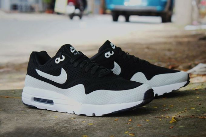 Nike-Air-Max-1-Ultra-Moire-Black-Grey