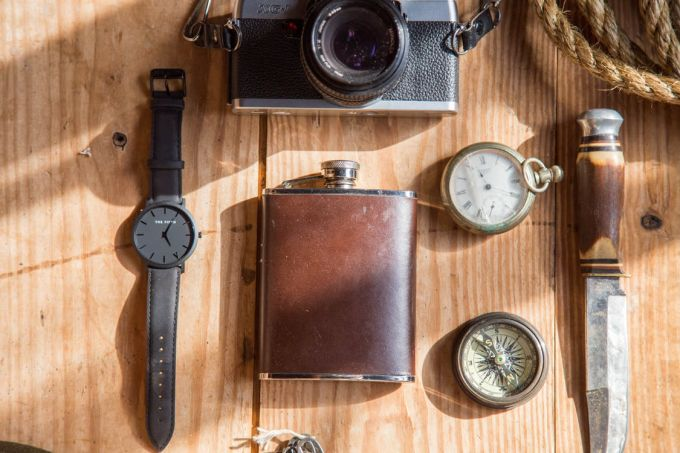 Compass, watch. knife and other objects