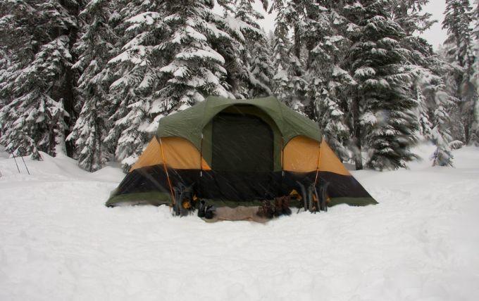 tent on snow