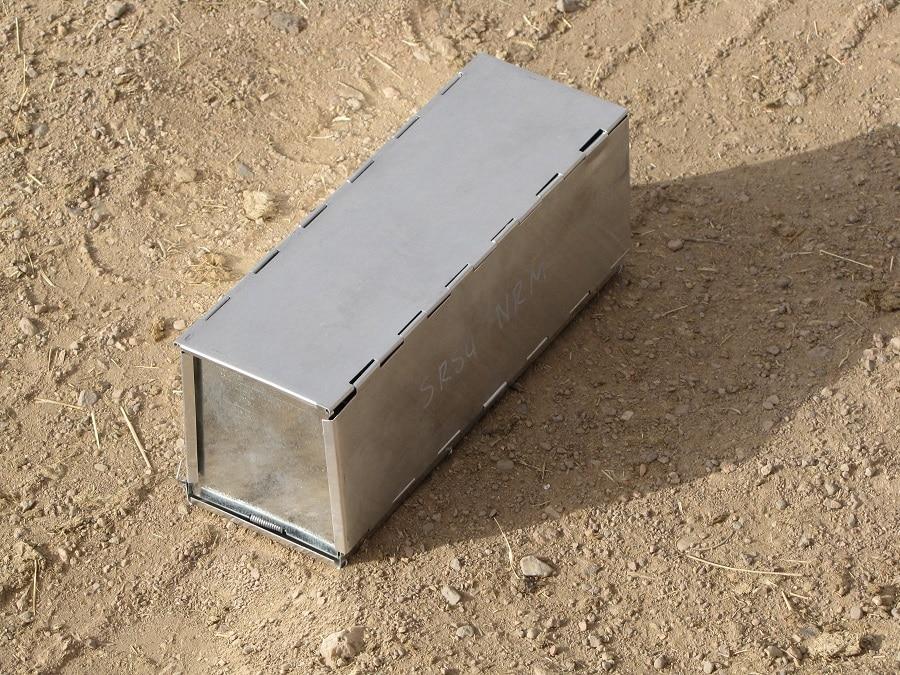 Box snake trap