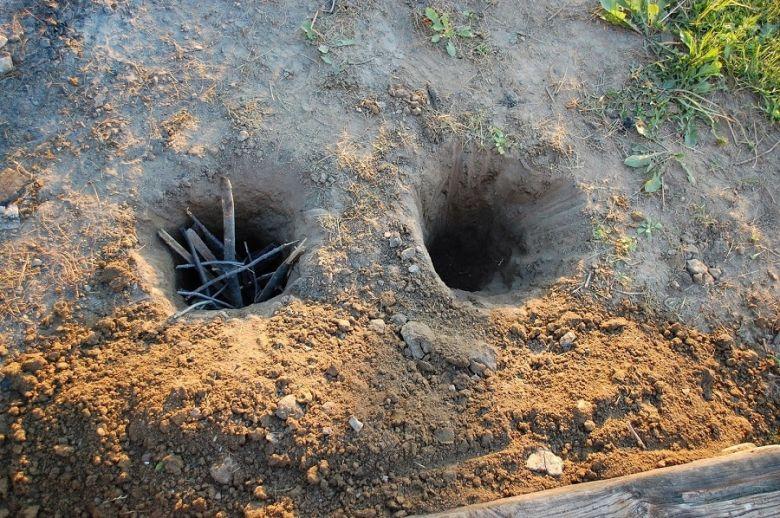 Building a Dakota Fire Hole