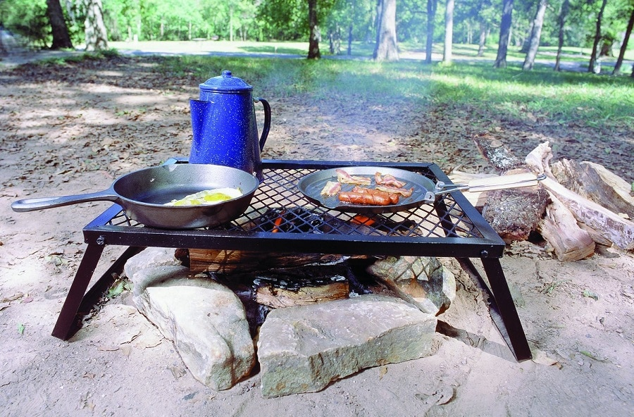 Campfire camping-grill