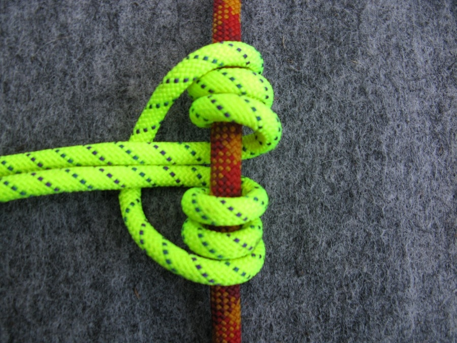 Girth hitch knot