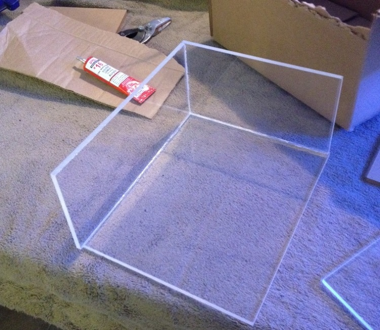 Plexiglas for building a trap