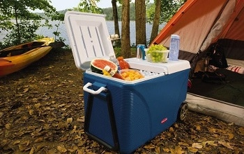 Rubbermaid FG2C0902MODBL Extreme 5-Day Wheeled Ice Chest Cooler, 75-Quart