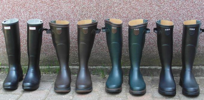 4 pairs of man rain boots