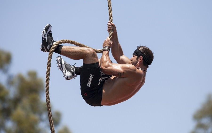 Workout climbing a rope