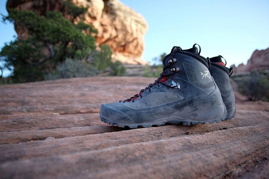 Arcteryx bora2 mid gtx hiking boots