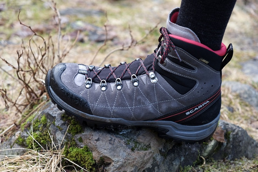 Fit hiking boots