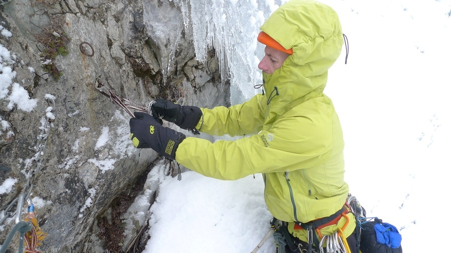 Ice climbing gloves in action