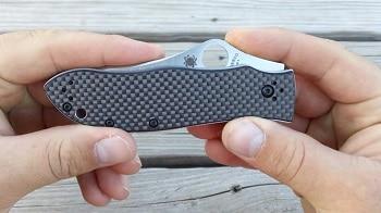 Spyderco Gayle Bradley Folder Plain Edge Knife