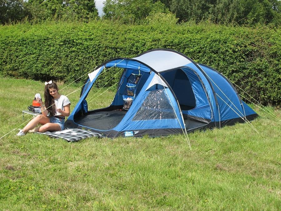 Weatherproof tent