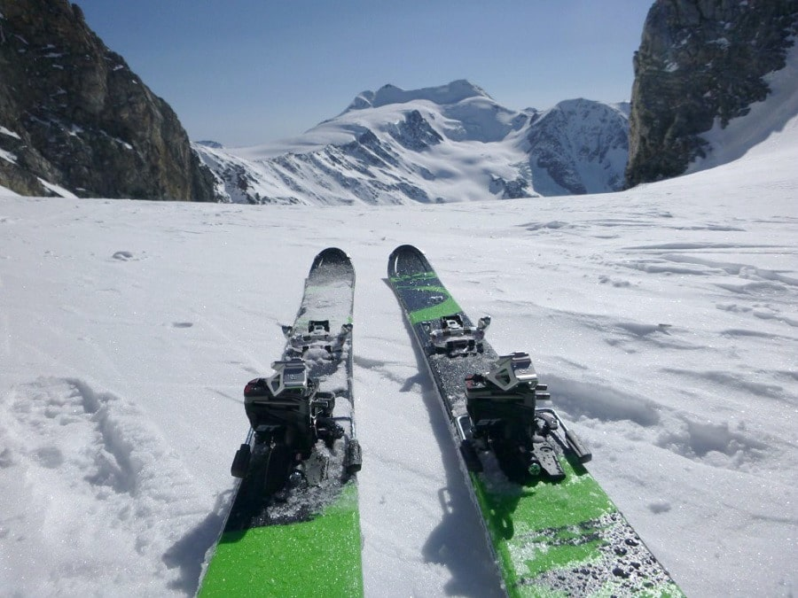 Alpine touring specific skis