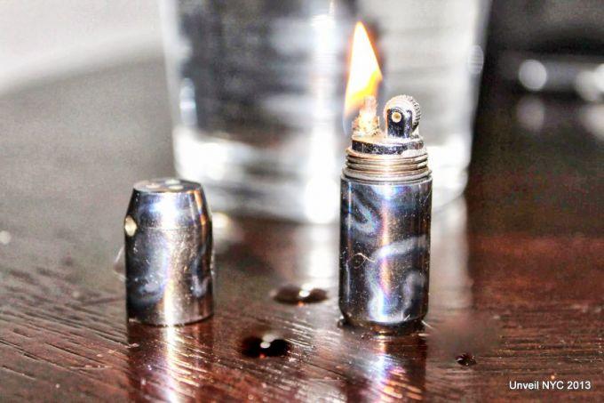 Capsule lighter