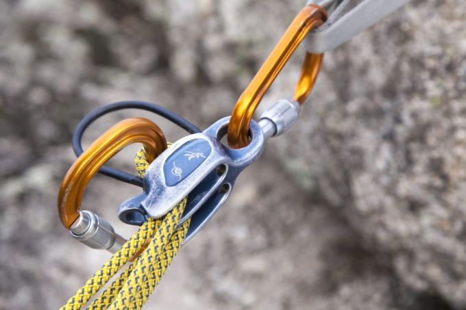 Belay device close up
