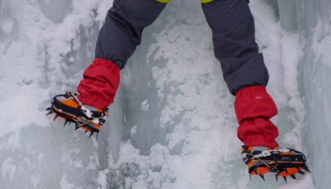 mountaineering_alps_ice_rock_climbing_top_climbers_snow_man