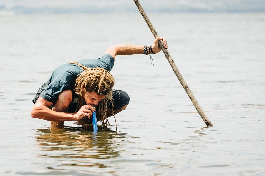 How does the lifestraw work