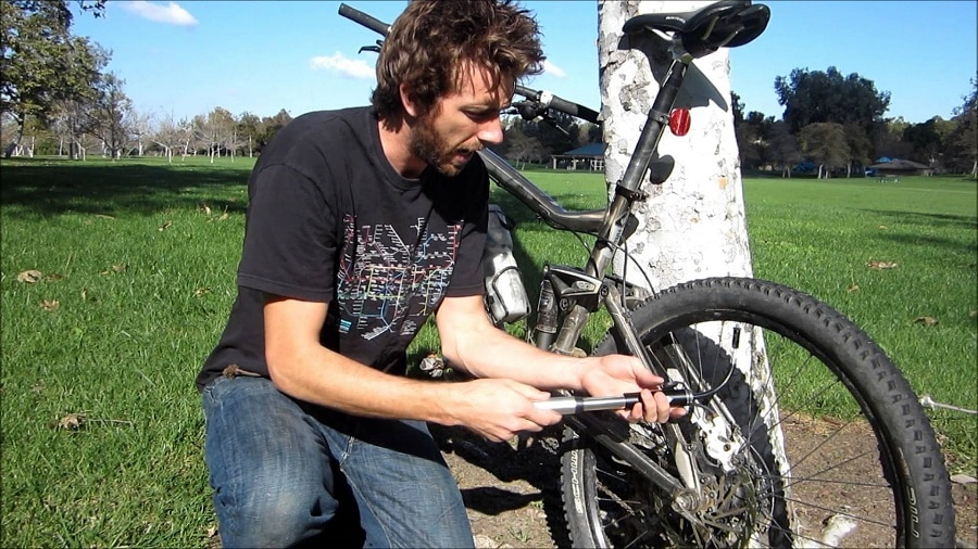 Mini bike pump features