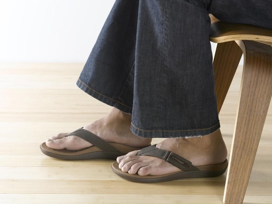 Sandals features