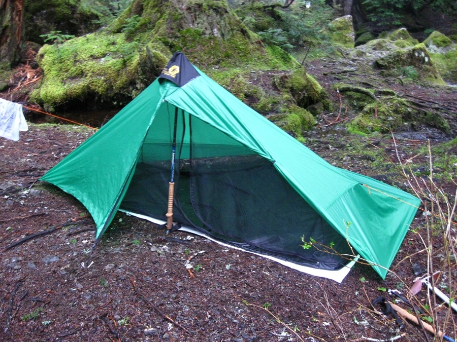 Solo tent features
