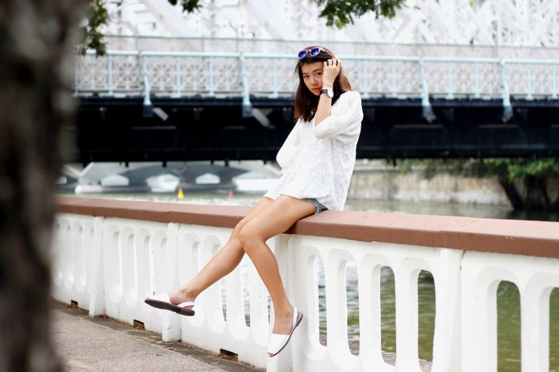 Comfortable fitting white sandals