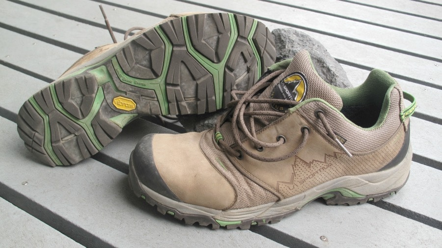 Hiking shoes features