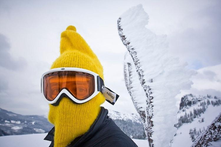 Right snowboard goggles color