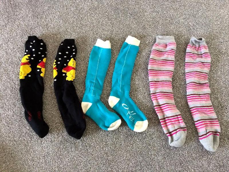 Skiing socks designs and materials