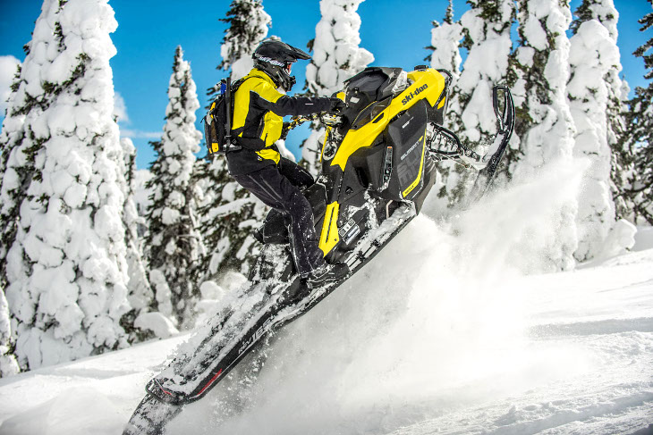 Extreme snowmobile riding