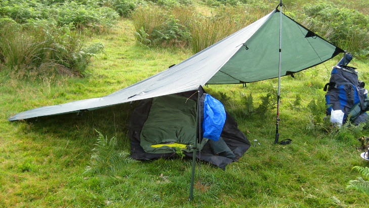 Simple tarp tent & Tarp Camping: Old Tent Setup That Still Gets the Job Done