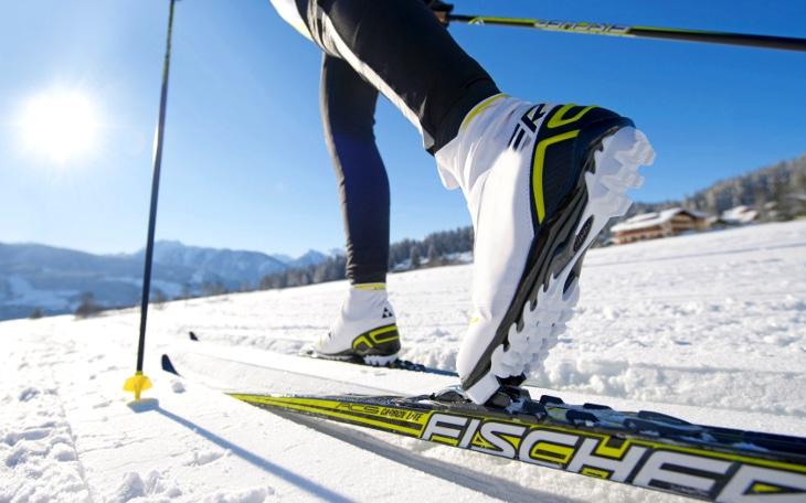 White ski for snow