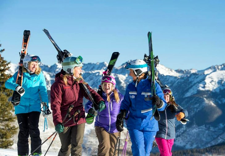 Women out to ski