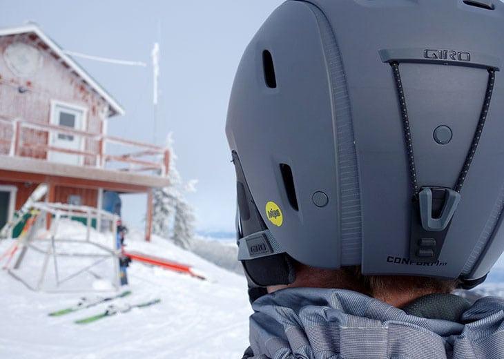 Helmet rear vents