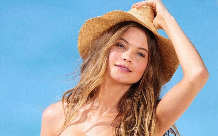 Model wears sun hat
