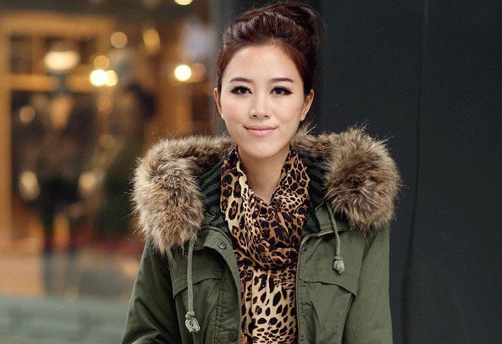 Parka coat with fur hood