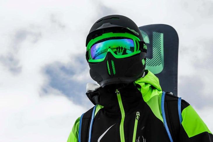 Viper like snowboard helmet