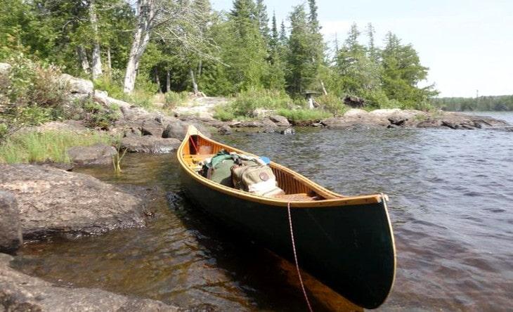 Wilderness tripping canoe