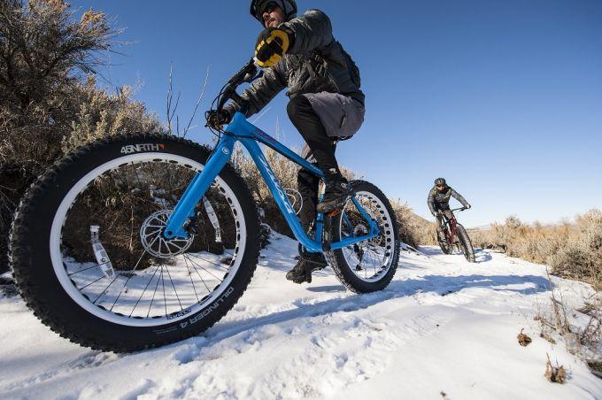 guys riding fat bikes on snow