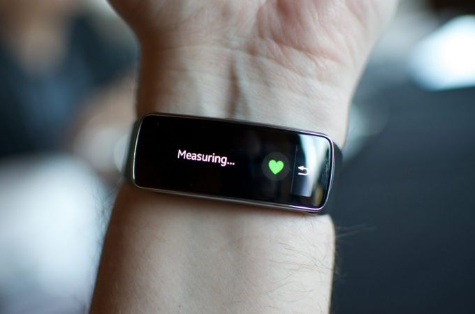 Fitness tracker measuring heart rate