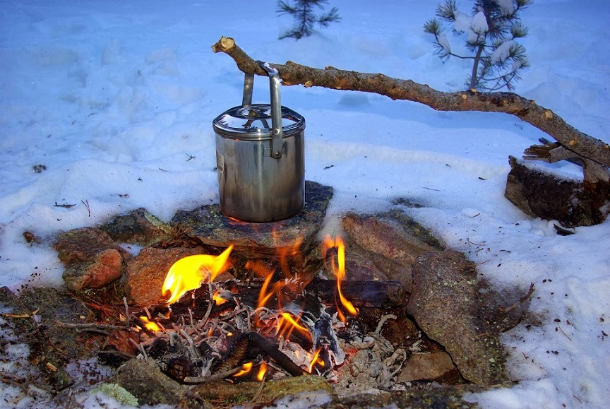Cooking with camp fire