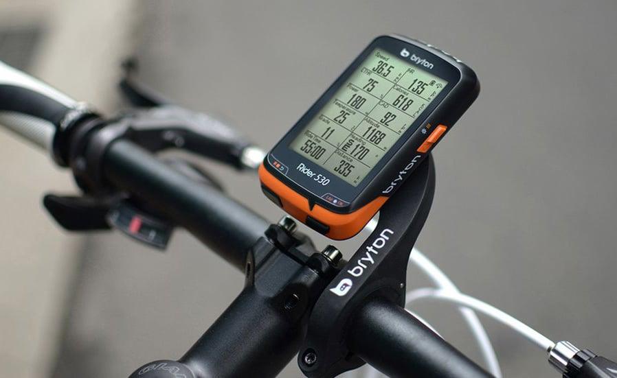 Tracker displaying altitude