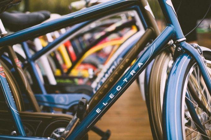Many city bikes