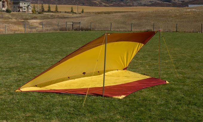 Lean-to tarp shelter