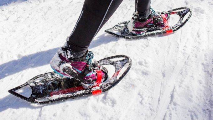 Snowshoe comes with footwear