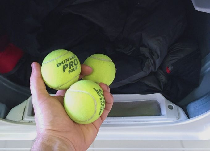 drying sleeping bag with tennis balls