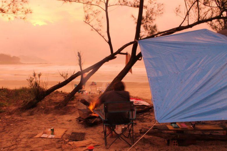 basic tarp shelter setup