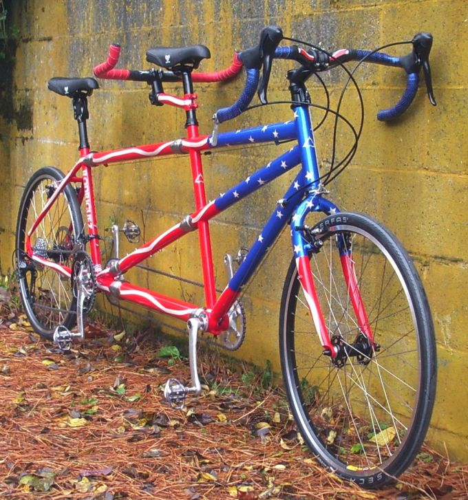 color of tandem bikes