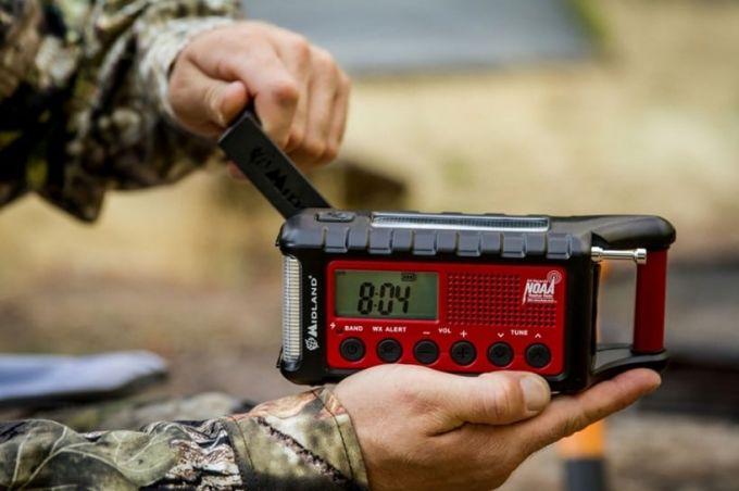 powering a crank radio